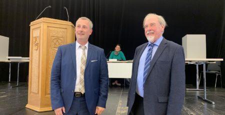 André Schneider und Peter Pape, Bezirksversammlung am 4.6.202; Foto: Marc Buttler