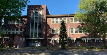 Die ehemalige Berner Schule Lienaustraße in Farmsen-Berne, Foto: Marc Buttler